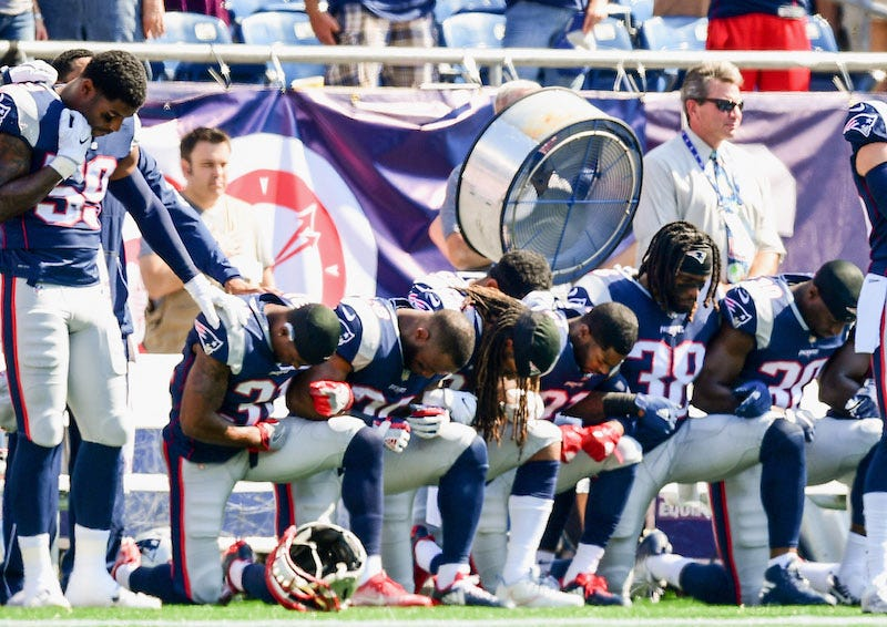 Illustration for article titled With The Anthem Policy, NFL Owners Got Everything They Wanted