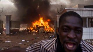 Illustration for article titled Államcsínyből jött, zavargásokban megy Burkina Faso elnöke