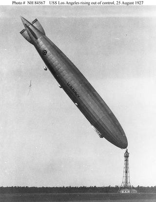 Illustration for article titled An Airship Probably Shouldn't Look Like This, Right?