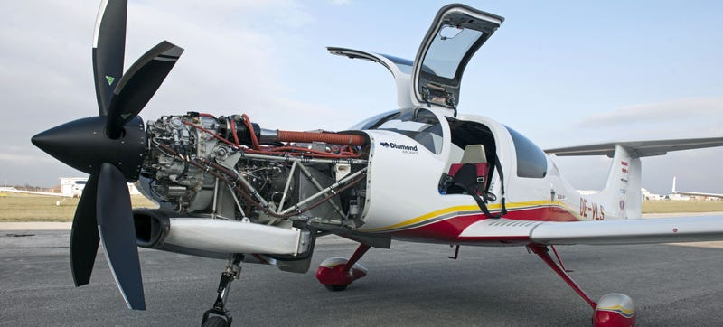 crazy austrians slap a mind bending 465 hp turboprop on a tiny plane. Black Bedroom Furniture Sets. Home Design Ideas