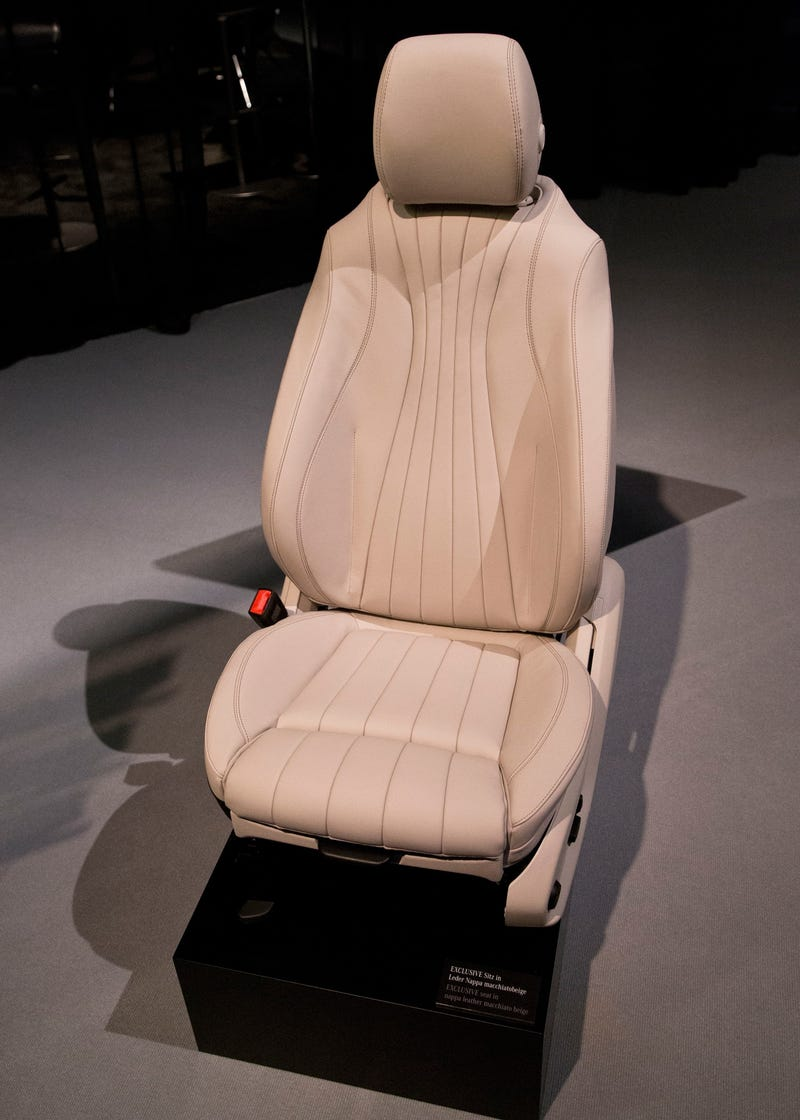 Ponderance: The Difference Between Seats and Chairs