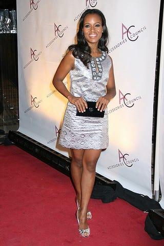 Illustration for article titled Kerry Washington's Little Silver Dress, Big Smile