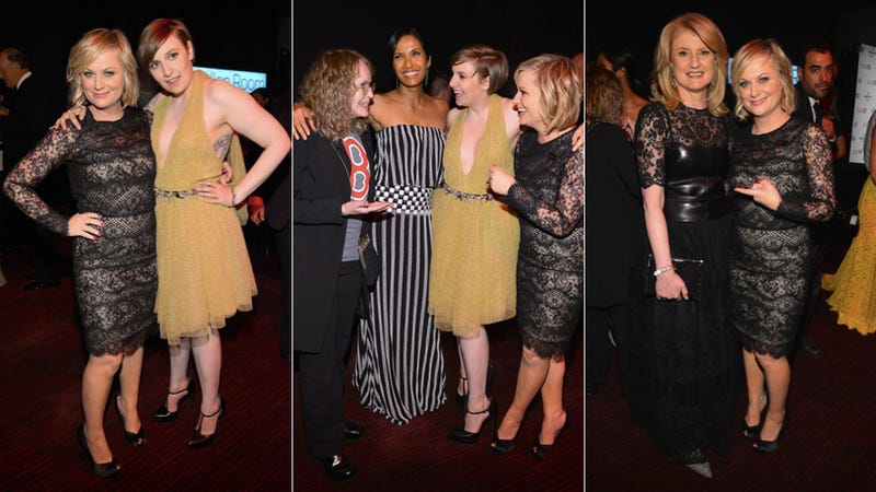 Illustration for article titled Amy Poehler Sassily Poses with Other Famous People