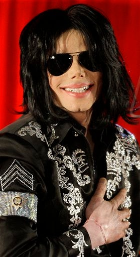 Illustration for article titled Michael Jackson Autopsy Details Released; Kendra Marries At Playboy Mansion