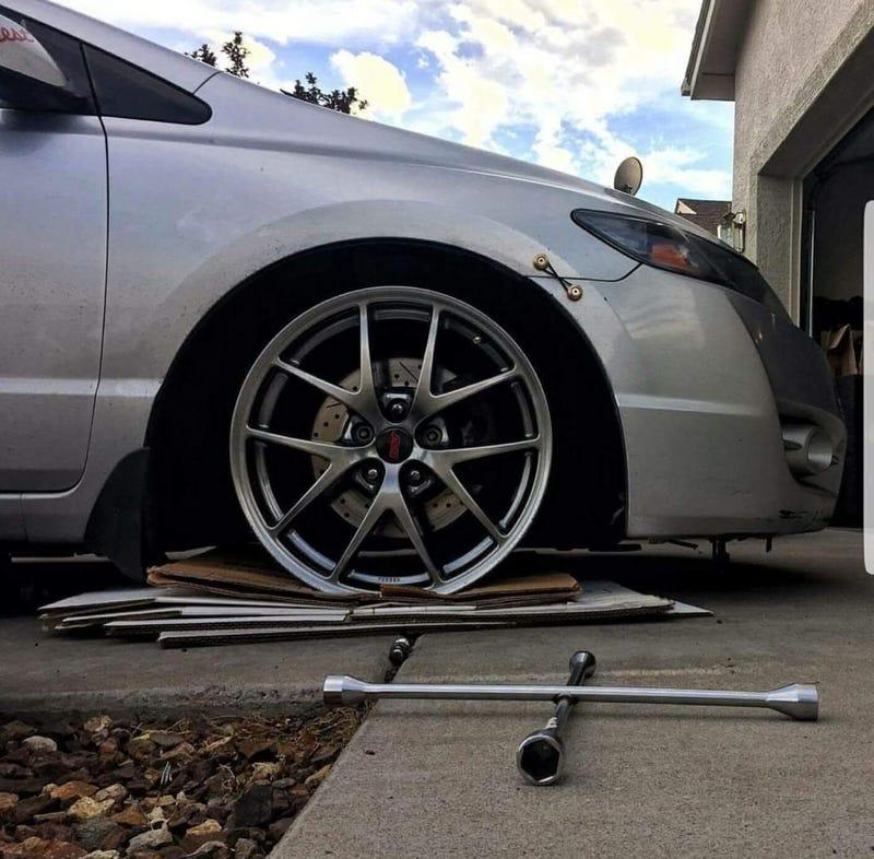 STI wheels fit an 8th gen