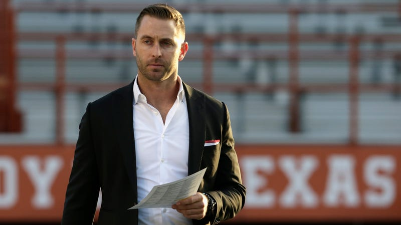 Illustration for article titled Report: Kliff Kingsbury Could Pay His Own Buyout At USC To Pursue NFL Head-Coaching Jobs