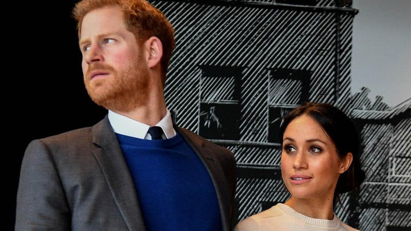 Illustration for article titled Meghan and the Royal Family Are Reportedly Scrambling to Convince Her Father to Attend the Big Wedding