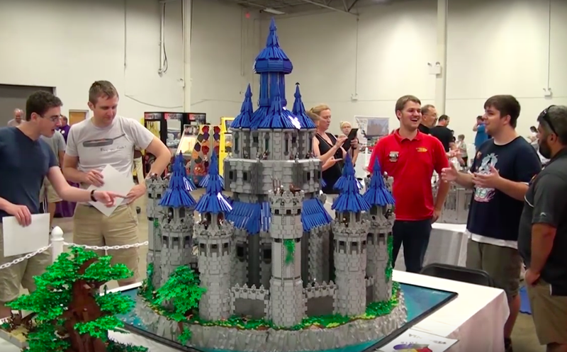 Illustration for article titled Epic Lego Hyrule Castle Took Zelda Superfan Two Years to Build