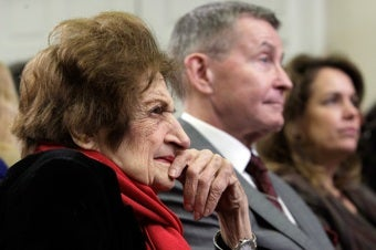 Illustration for article titled Speaking Agency Drops Helen Thomas Due To Controversial Remarks