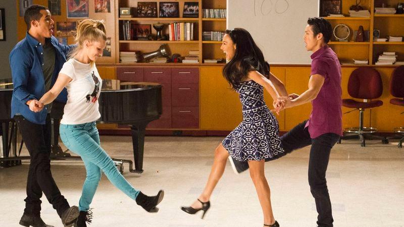 "Illustration for article titled Glee: ""100"""