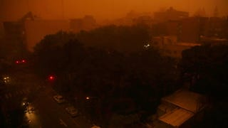 Illustration for article titled Apokaliptikus homokvihar pusztított Teheránban