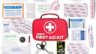 Botiquín de primeros auxilios (130 piezas) | $16 | Amazon | Usa el código PMYHZA9L