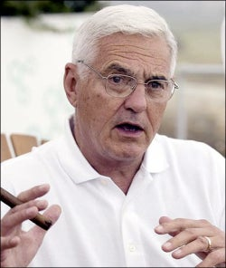 Illustration for article titled Bob Lutz Talks Future GM Vehicles, Powertrains