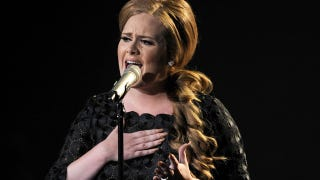 Illustration for article titled Adele Cancels All Shows, Cancer Rumor Hits Twitter