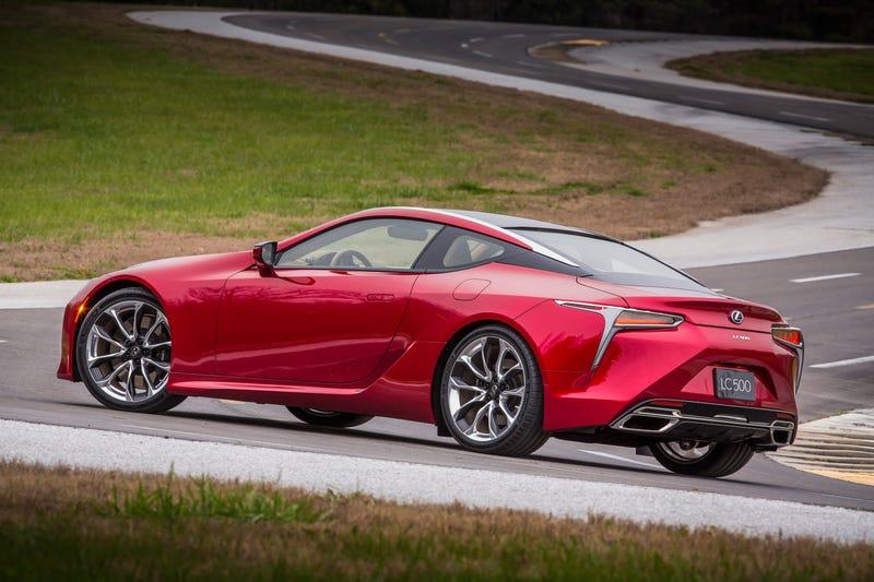 Lexus lc 500h pris