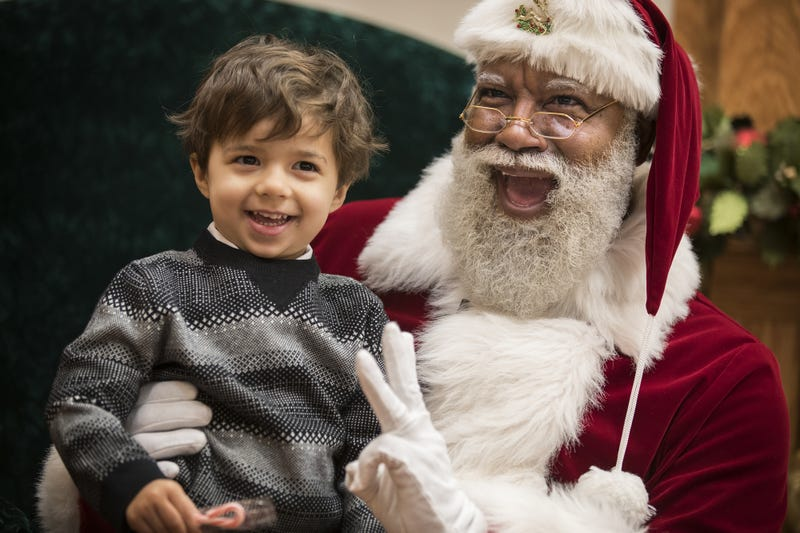 Larry Jefferson is the first black Santa in the 24-year history of the Mall of America in Bloomington, Minn.Star Tribune screenshot