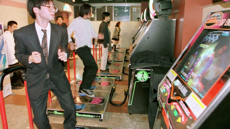 Illustration for article titled Japanese Arcade Owner Is So Sad about Japanese Arcades