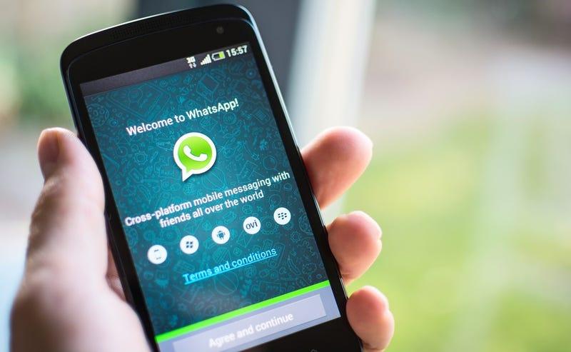 Illustration for article titled WhatsApp está bloqueando todos los enlaces a Telegram en su aplicación para Android