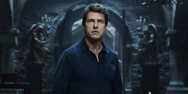 All the Ways The Mummy Sets Up the Dark Universe of Universal s Monsters