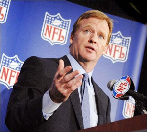 Illustration for article titled Roger Goodell Wins The Weekend