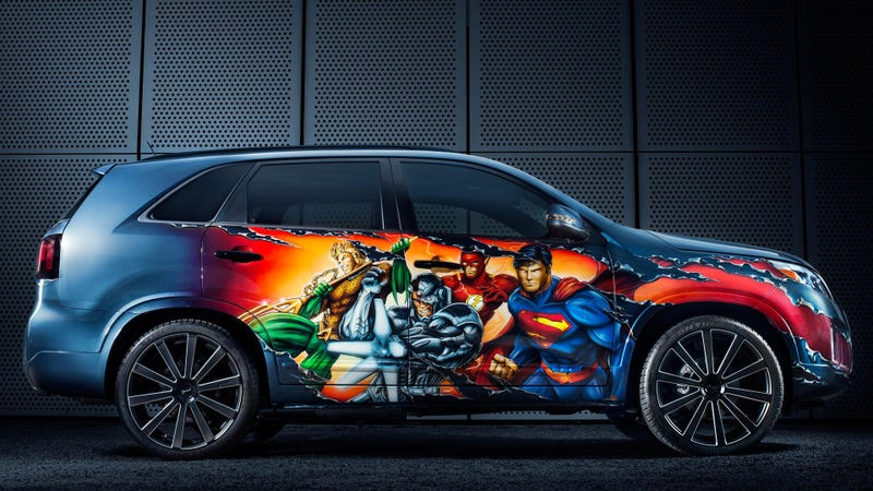 Illustration for article titled This Justice League Kia Sorento Opened The San Diego Comic-Con