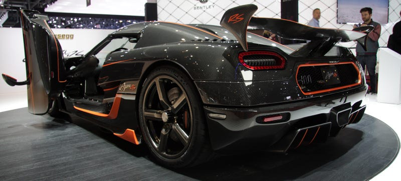 Illustration for article titled Koenigsegg Agera RS Is A Carbon Fiber Salute To Track Day Psychopaths