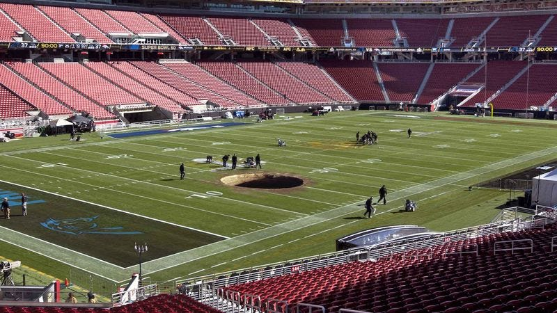 Illustration for article titled NFL Vows To Fix Bottomless Pit On Levi's Stadium Field Before Super Bowl