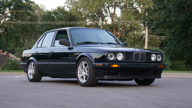 i wanted a bmw e30 so badly i bought one full of hidden. Black Bedroom Furniture Sets. Home Design Ideas