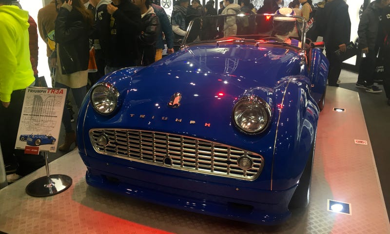 Illustration for article titled Surprisingly This Old Triumph Was The Classiest Automobile At Tokyo Auto Salon
