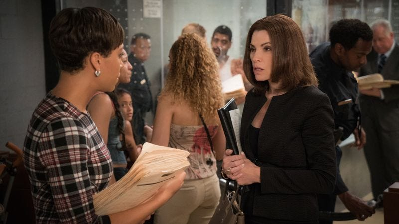 Illustration for article titled The Good Wife awkwardly reshuffles in season seven premiere
