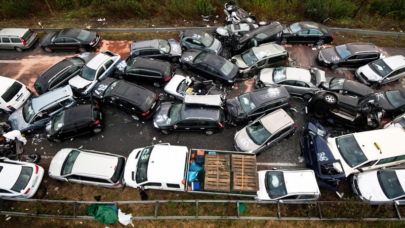 Illustration for article titled Three dead in 52-car pileup on Germany's Autobahn