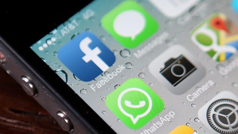 Illustration for article titled Facebook Messenger's Update Lets Admins Control Conversations