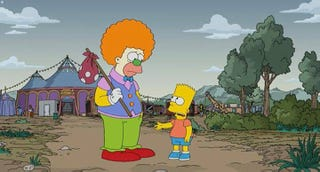 Illustration for article titled The Simpsons has had it with those TV-recapping clowns