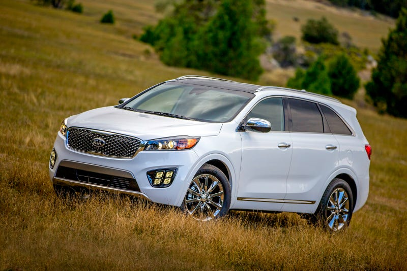 Illustration for article titled The 2016 Kia Sorento Is The Three Row Crossover For Everyone