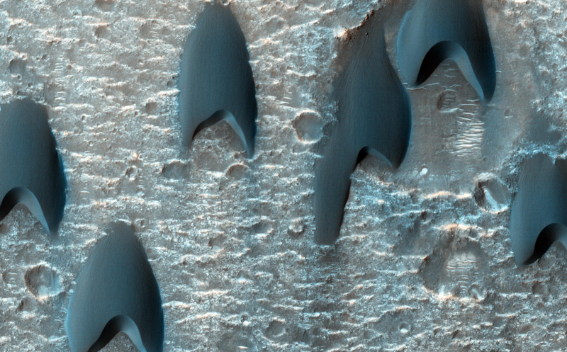 Illustration for article titled It's So Perfect that Mars Dunes Look Like Starfleet Logos