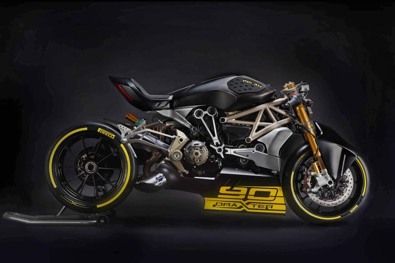 Illustration for article titled The Ducati 'draXter' XDiavel Concept Is A Vicious Nightmare Of A Sport Cruiser
