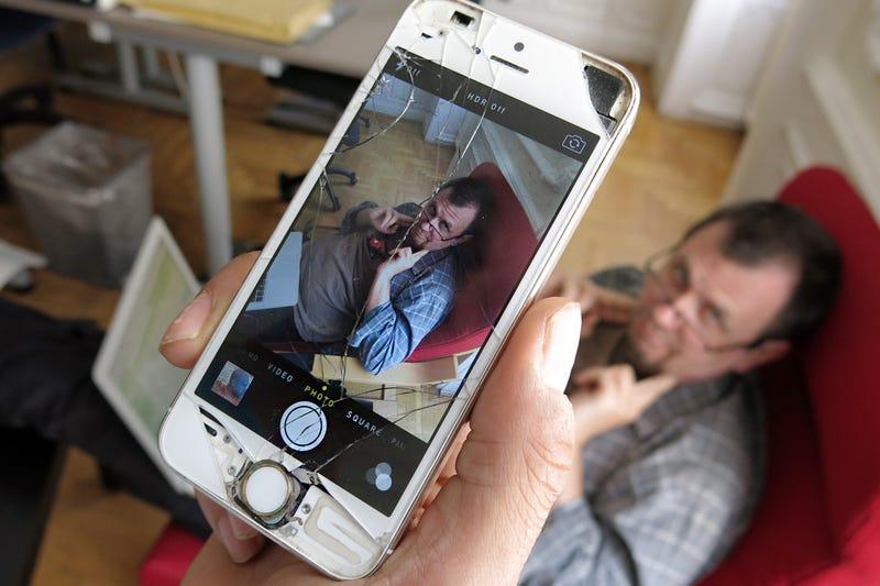 Illustration for article titled Igazságot az Iphone-nak: még ilyen állapotban is működik