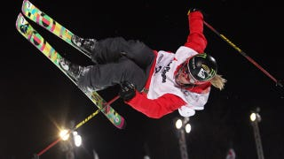 Illustration for article titled Awesome Freestyle Skier Sarah Burke Has Died