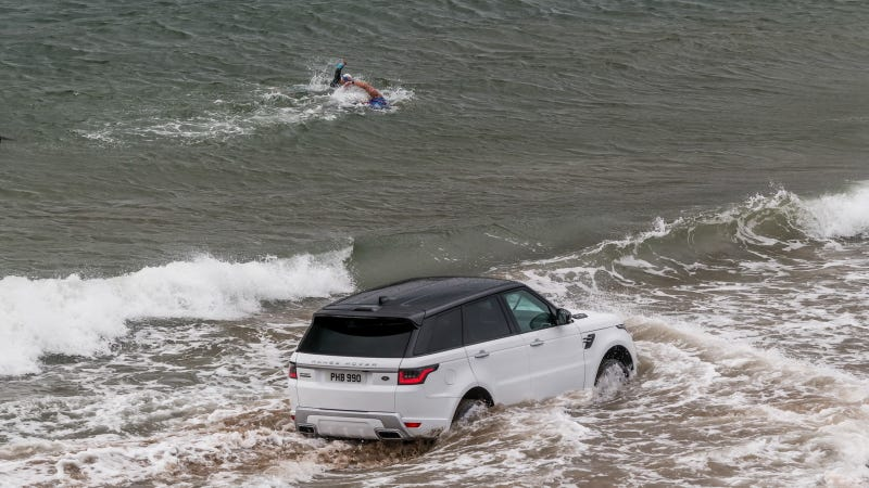 The First Plug In Hybrid Range Rover Reacted To News That It Was Good For