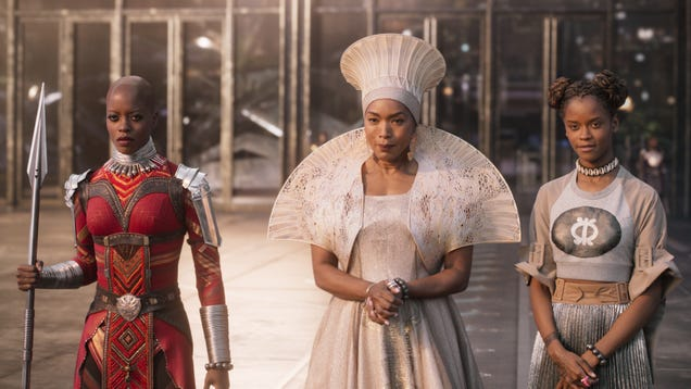 Weekend Box Office: Black Panther reigns over Oscars weekend