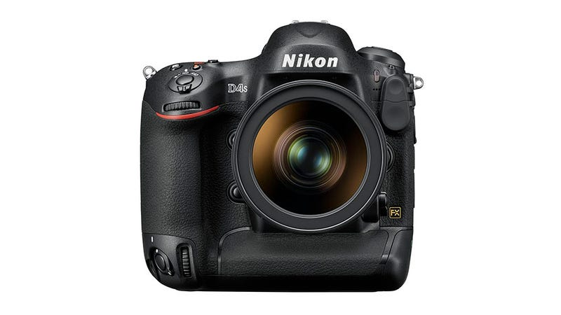 Illustration for article titled Nikon D4S: An Epic Pro DSLR in a Familiar, Jumbo Package