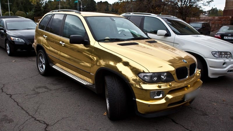 Illustration for article titled Golden BMW X5 is terrible