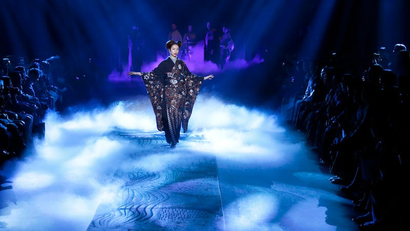Illustration for article titled Kimonos in the Mist at Tokyo Fashion Week