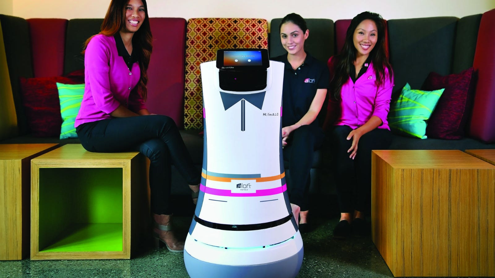 Tip This Robo-Bellhop in Tweets For Delivering Your Room Service