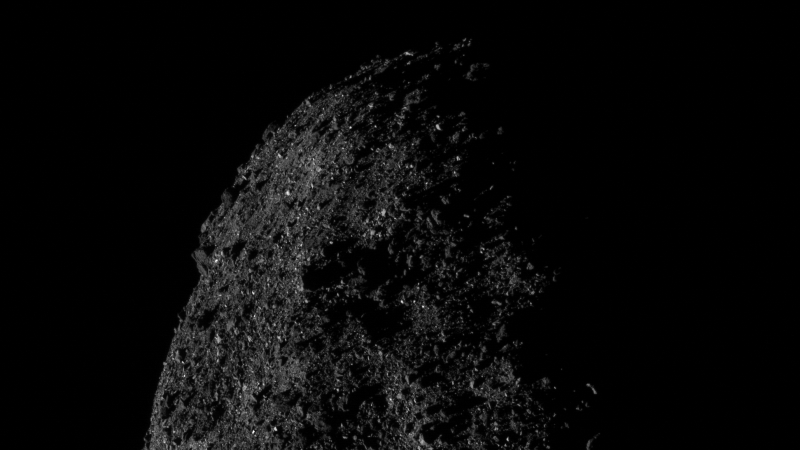 Illustration for article titled Esta impresionante imagen del asteroide Bennu se tomó a tan solo 690 metros de distancia