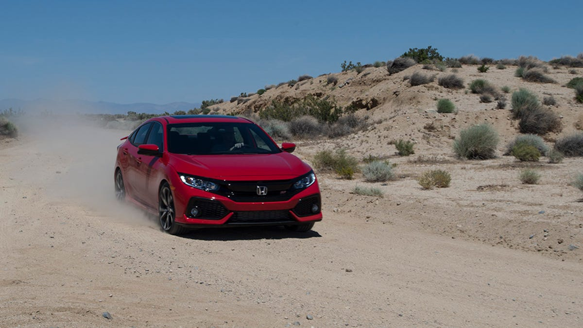 The 2017 Honda Civic Si Is The Kind Of Fun That Won't Ruin