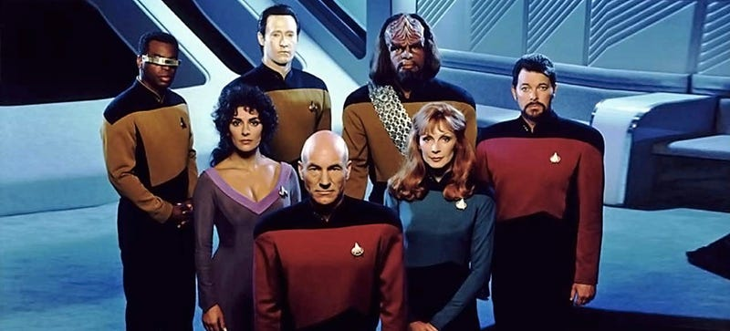 "Illustration for article titled Julian Assange Says ""Apolitical Futurism of Star Trek"" Fits Google"