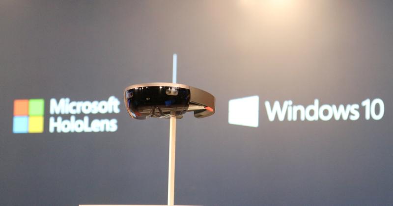 Illustration for article titled Ya puedes comprar el visor de hologramas Microsoft HoloLens, pero cuesta 3.000 dólares