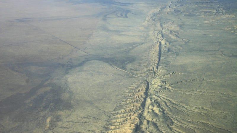 La falla de San Andrés a la altura de la Llanura de Carrizo. Imagen: Wikimedia Commons