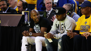Here's What Happened With Floyd Mayweather's Crew At That Warriors Game
